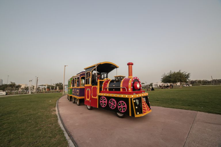 trackless train - al bidda park qatar - qatarindians