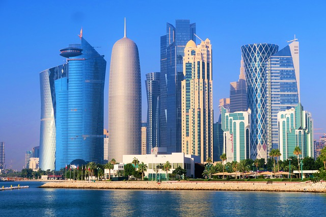 New precautionary measures taken to combat COVID-19 in Qatar. EHTERAZ app installation on smartphones now mandatory when leaving the house for any reason - QatarIndians.com